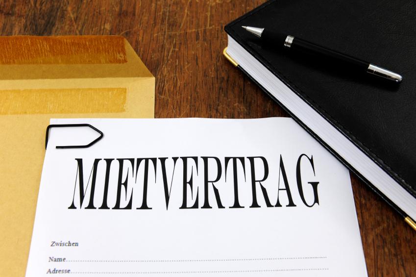 Regelungen im Mietvertrag sind auch für neuen Vermieter bindend.