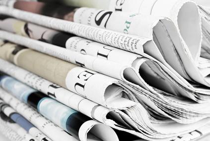 Stapel Tageszeitungen