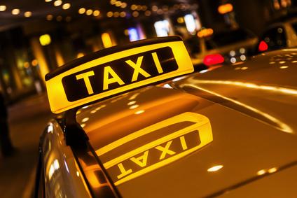 Ein Taxi in der Nacht
